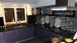 kuchnie z elemetami szklanymi we Wrocławiu