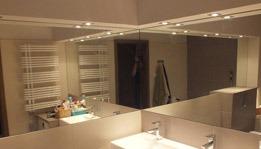 Lustro łazienkowe na wymiar w nowym mieszkaniu