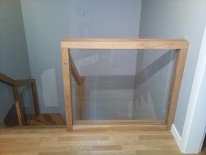 szklana balustrada z poręczą