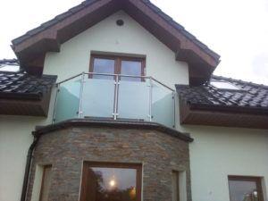 szklana balustrada zewnętrzna